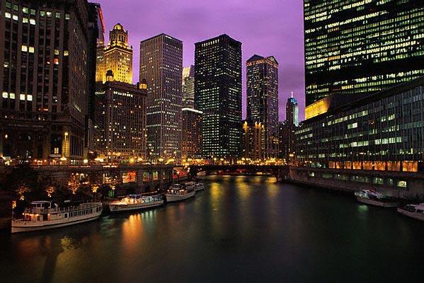 Chicago_Night_River_Cruises