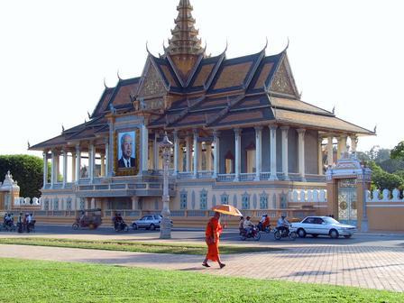 Phnom_penh_palace