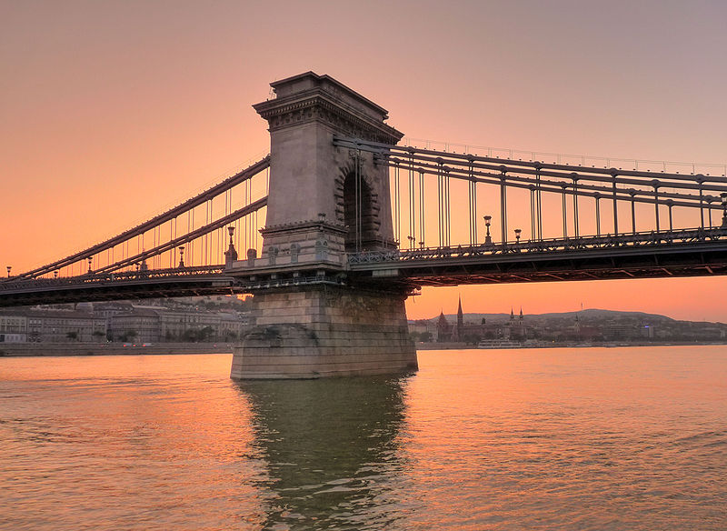 Sunset_over_the_Danube