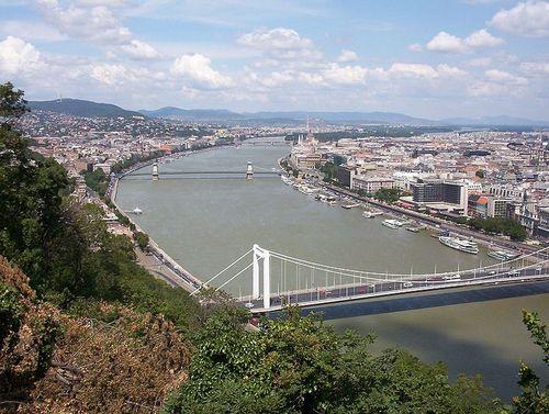 Budapest_from_Gellert_Hill