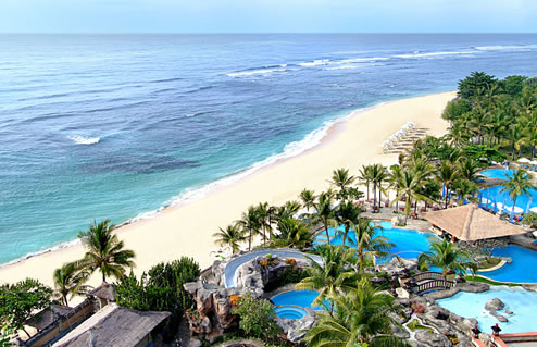 Nikko_Bali_Resort_Pool_and_Beach