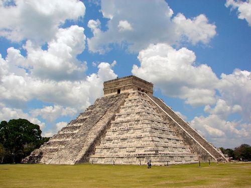 Chichen-Itza-Castillo-Mexico-Bjorn-Christian-Torrissen